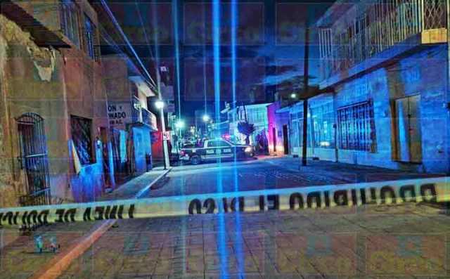 ¡Policías municipales abatieron a un sospechoso y detuvieron a otro en Fresnillo!