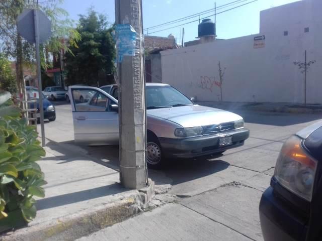 ¡2 encapuchados empistolados asaltaron una gasolinería en Aguascalientes y se llevaron $153 mil en efectivo!