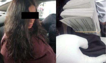 """¡Policías viales de Aguascalientes detuvieron a mujer por un intento de robo tipo """"pacazo"""" por $50 mil!"""