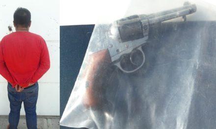 ¡Delincuente empistolado asaltó un negocio y fue detenido por policías municipales de Aguascalientes!