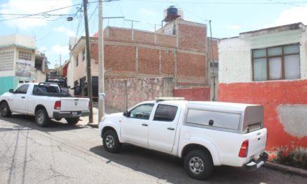 ¡Hallaron muerta a una joven en un lote baldío en Zacatecas!