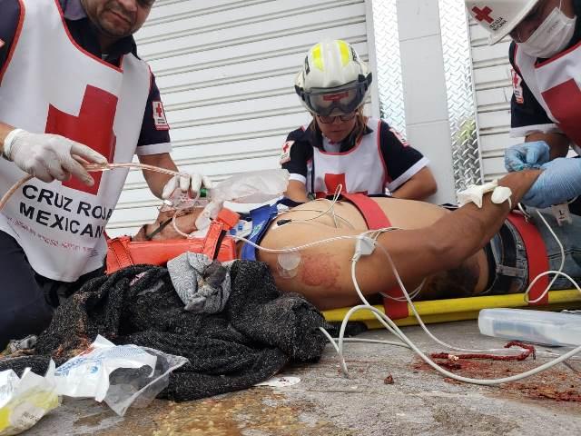 ¡Agoniza hombre que cayó de una escalera a 5 metros de altura en Aguascalientes!