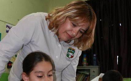¡Maestra de Aguascalientes gana premio internacional al desarrollar estrategia de lectura y escritura!