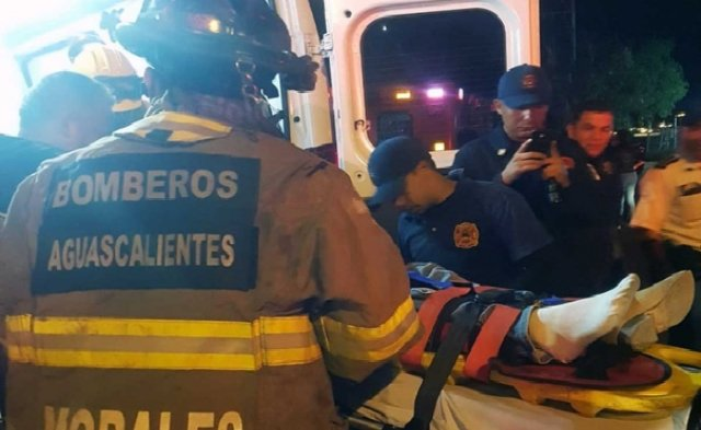 ¡Motociclista murió tras chocar contra una camioneta que se le atravesó en Aguascalientes!