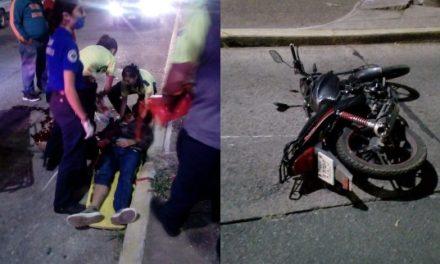 ¡Joven motociclista murió tras accidentarse en Aguascalientes!