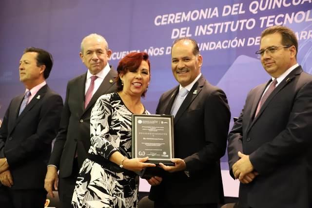 ¡Profesionistas de Aguascalientes dan rumbo y solidez a la economía: MOS!