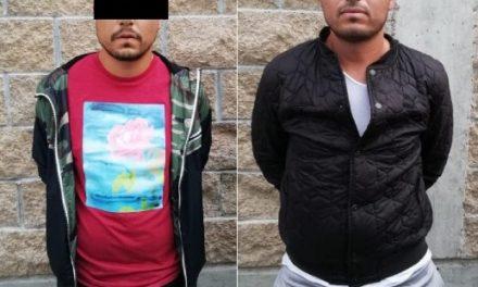 ¡Policías municipales de Aguascalientes detuvieron a 2 sujetos que robaron medicamento controlado del Hospital 2 del IMSS!
