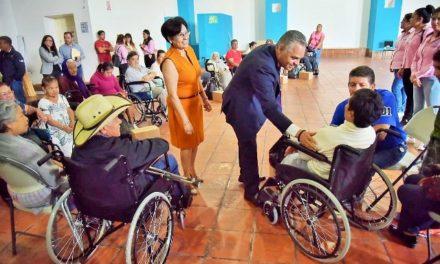 ¡Concluye el DIF de Jesús María con la entrega de sillas de ruedas!