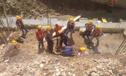 ¡Albañil originario de Jalisco se salvó de morir tras caer de 4 metros de altura en una obra en Aguascalientes!