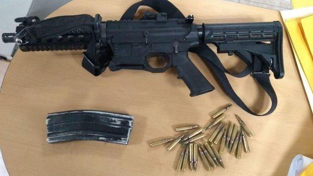 ¡En Ojocaliente Policía Estatal aseguró armas, equipo táctico y detuvo a 2 personas!
