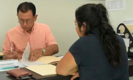 ¡Entrega IEA más de mil 250 cédulas electrónicas a profesionistas de Aguascalientes!