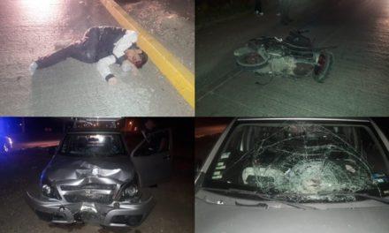 ¡Grave motociclista que chocó contra una camioneta en Aguascalientes!
