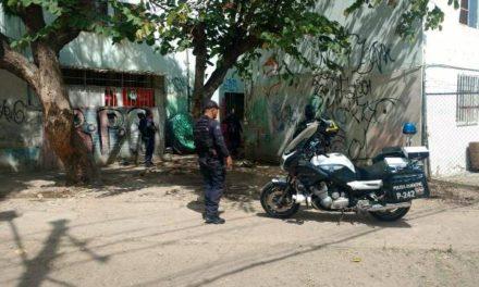 ¡Dos sicarios intentaron ejecutar a una vendedora de drogas e hirieron a uno de sus compradores en Aguascalientes!