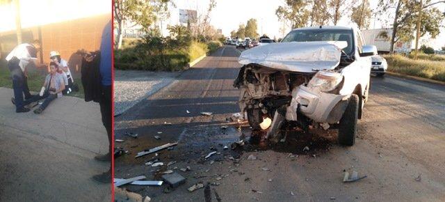 ¡Tráiler chocó contra una camioneta en Aguascalientes: 1 lesionado!