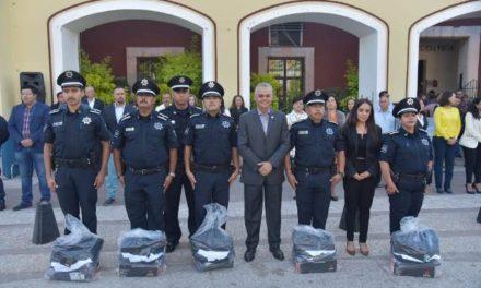 ¡Noel Mata entrega más equipamiento a Policía de Jesús María!