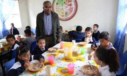 ¡Proporciona Municipio 8 mil alimentos calientes por día en comedores del DIF!