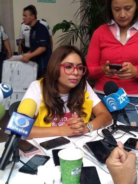 ¡Sólo 3 de cada 10 mujeres en situación de violencia que reciben atención logran finalizar el proceso: Zayra Rosales!