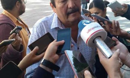 ¡Sólo un 30 por ciento de los choferes de taxi cuenta con Seguro Social: José Manuel Lira!