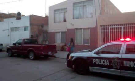 ¡Con un cinturón de tela un hombre se ahorcó de la regadera en su casa en Aguascalientes!