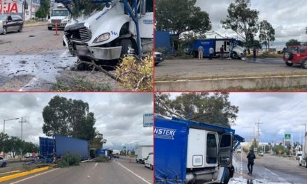 ¡Trailero originario de Jalisco protagonizó aparatoso accidente en Aguascalientes!