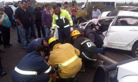 ¡Volcadura de un auto en Aguascalientes dejó 1 mujer lesionada!