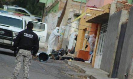 ¡Ejecutaron a 2 hombres que iban en una motocicleta en Guadalupe!
