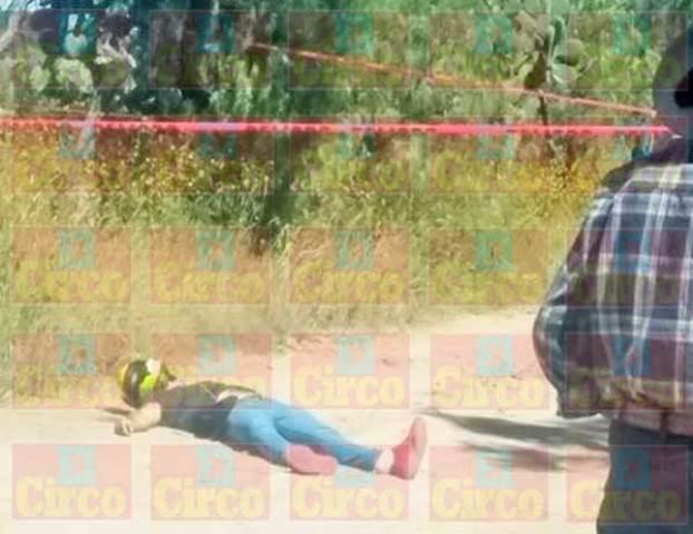 ¡De 8 balazos ejecutaron a un joven servidor de la nación en Pinos!