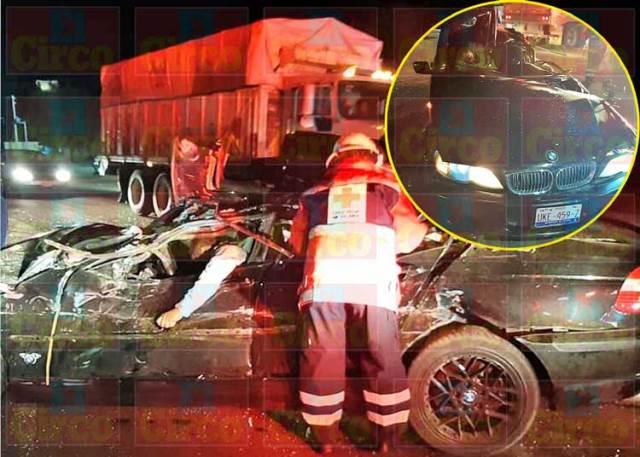 ¡Choque entre un auto y un tráiler dejó 3 lesionados en Lagos de Moreno!