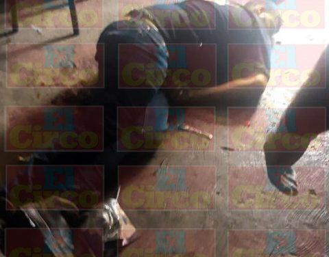 ¡De 2 balazos en el cuello ejecutaron a un joven en un taller de motocicletas en Fresnillo!