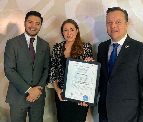 ¡Gobierno Federal premia a Tere Jiménez por eficientar trámites para abrir empresas!