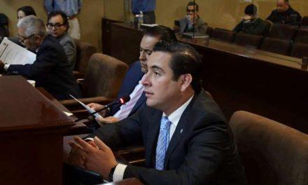 ¡Gustavo Báez revive la iniciativa de eliminación de fuero!
