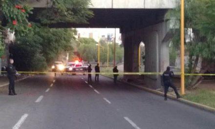¡Hallaron a un hombre asesinado a puñaladas debajo de un puente en Aguascalientes!