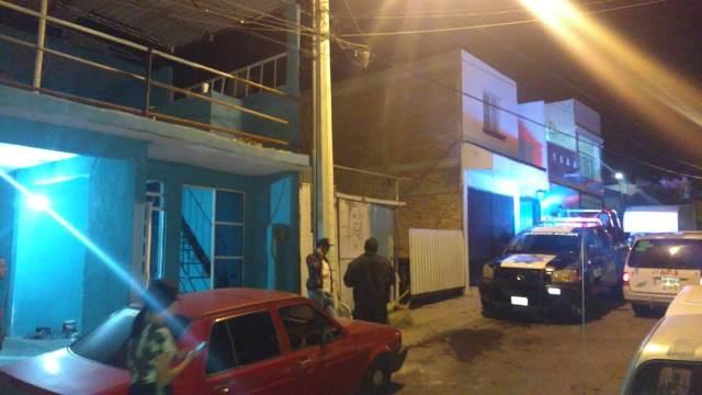 ¡Hombre murió electrocutado al querer arreglar una falla mecánica en su camioneta en Aguascalientes!