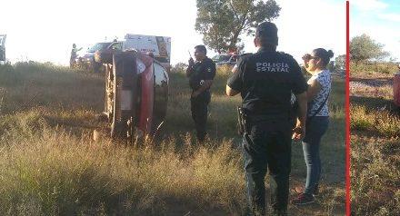 ¡Espectacular volcadura de un auto en Aguascalientes dejó 2 niñas lesionadas!