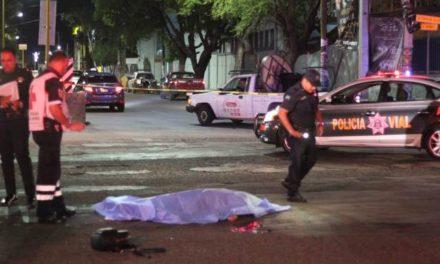 ¡Mujer murió y hombre resultó lesionado de gravedad tras ser atropellados por un auto en Aguascalientes!