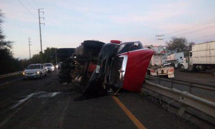 ¡Espectacular accidente en Aguascalientes dejó 3 lesionados!