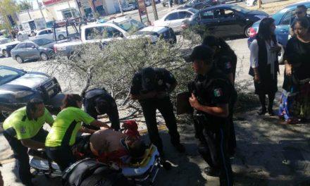 ¡Hombre resultó lesionado tras ser atropellado por un camión recolector de basura en Aguascalientes!
