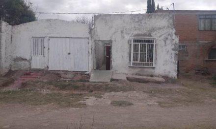 ¡Hallaron a un hombre enterrado en una fosa en el patio de una casa en Aguascalientes!