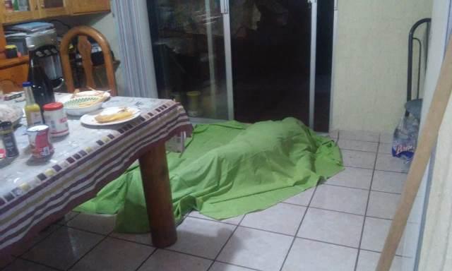 ¡Mujer murió atragantada al comer tamales previo a la cena de Navidad en Aguascalientes!