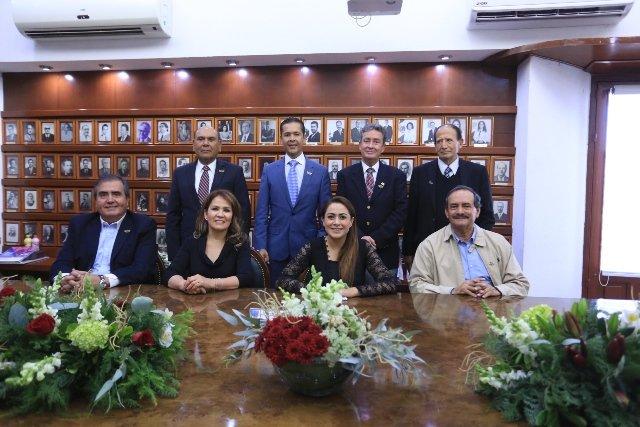 ¡Se reúne Tere Jiménez con ex alcaldes de Aguascalientes!