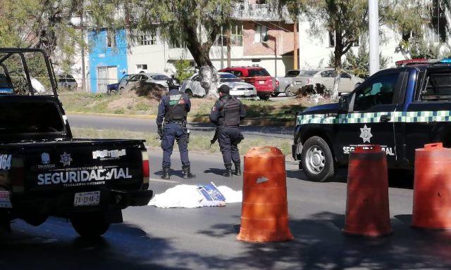 ¡Mujer murió atropellada por un automóvil en Guadalupe por no utilizar un puente peatonal!
