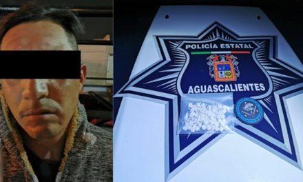 """¡Capturan elementos de la SSPE a presunto distribuidor de droga con 70 envoltorios de """"crystal""""!"""