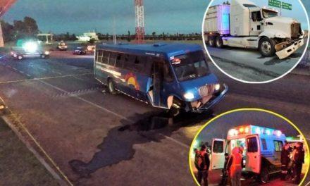 ¡1 muerto y 18 lesionados dejó fuerte choque entre un camión de transporte de personal y un tráiler en Aguascalientes!