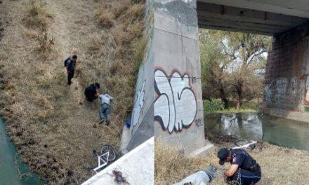 ¡Ciclista estuvo a punto de morir tras caer de un puente ferroviario en Aguascalientes!