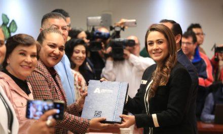 ¡Entrega Tere Jiménez Plan de Desarrollo Municipal 2019-2021 al Congreso del Estado!