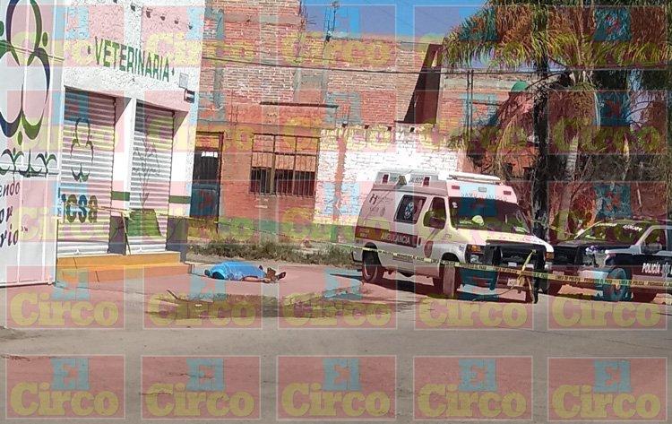 ¡Empresario forcejea con unos asaltantes y lo matan a balazos en Lagos de Moreno!