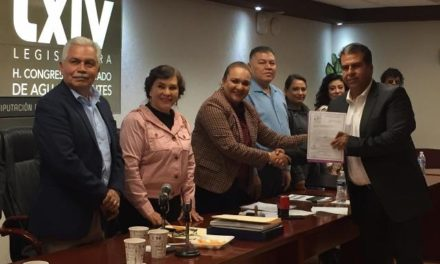 ¡Entrega Pabellón de Arteaga su Plan de Desarrollo al Poder Legislativo!