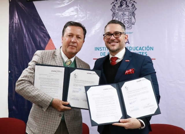 ¡Firma IEA convenio de colaboración con UVM a favor de capacitación docente!