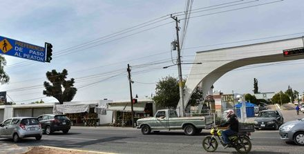 ¡Instala Municipio semáforo peatonal en Segundo Anillo Poniente!