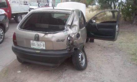 ¡Joven automovilista se salvó de morir tras ser embestido por el tren en Aguascalientes!